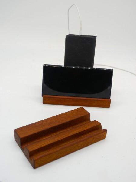 Ständer für Smartphon und Tablet